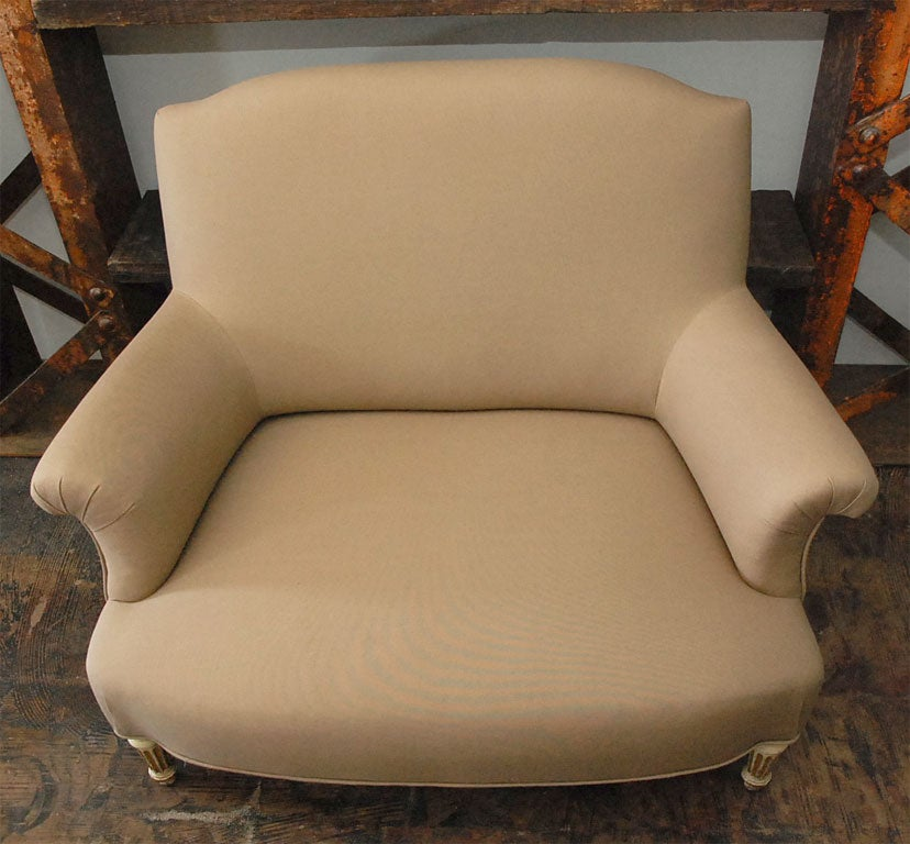 Upholstery Period Napoleon III Painted Leg Small Marquise Settee For Sale