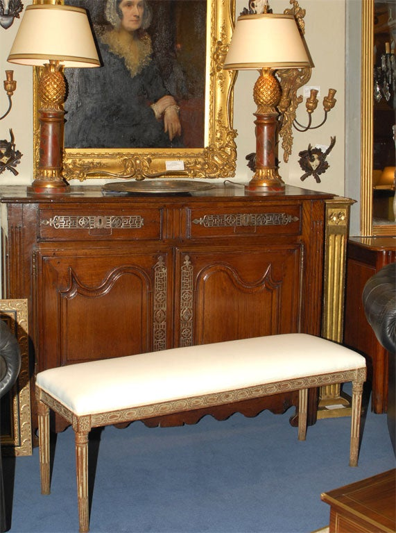 louis xvi painted banquette at 1stdibs. Black Bedroom Furniture Sets. Home Design Ideas
