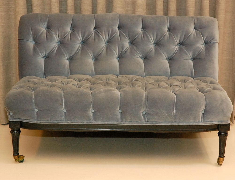 Pair Of Vintage Blue Velvet Tufted Settees At 1stdibs