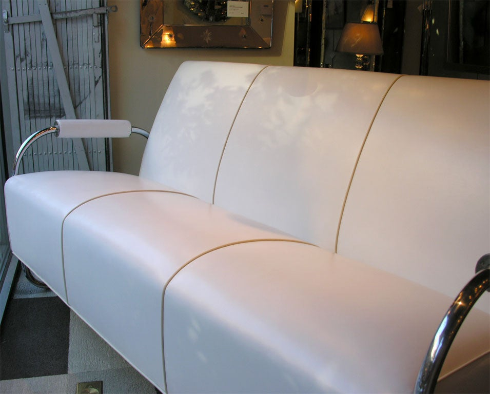 Art Deco Machine Age Streamline Sofa in Chrome and Leather by Gilbert Rohde 5