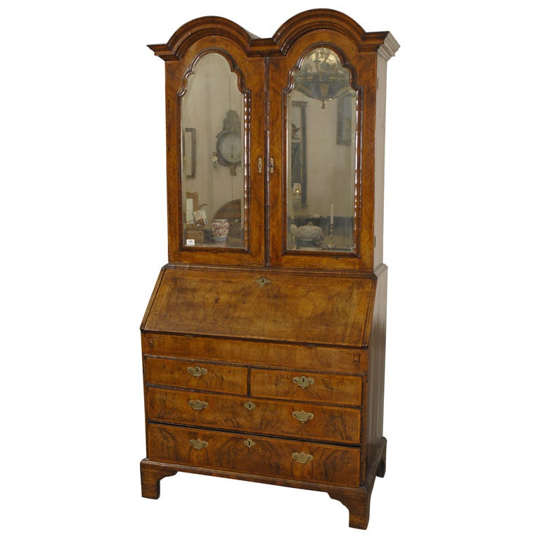 queen anne bureau bookcase in inlaid walnut c 1710 for sale at 1stdibs. Black Bedroom Furniture Sets. Home Design Ideas
