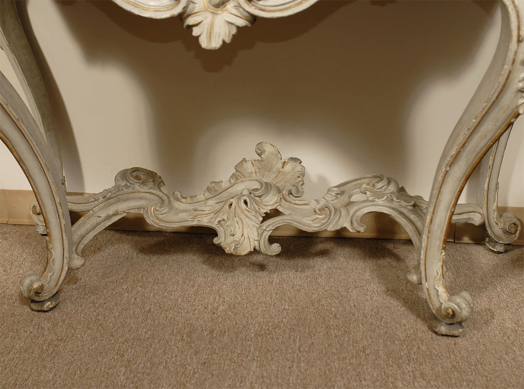 Louis XV Period Painted and Gilt Serpentine Console, France, circa 1760 In Good Condition For Sale In Atlanta, GA