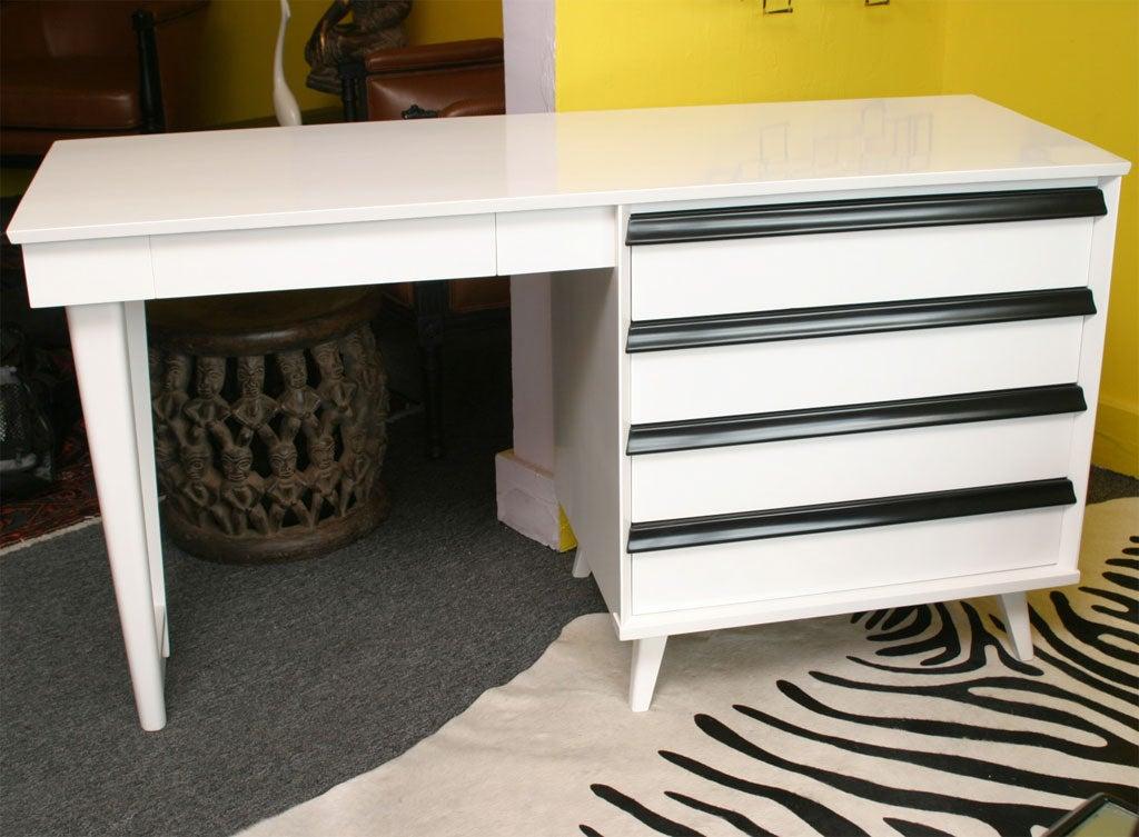Stunning Modernist Desk By Baumritter New York At 1stdibs