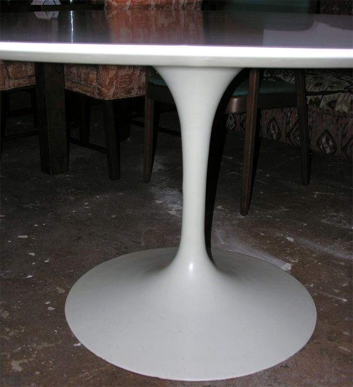 Vintage 54 Round Dining Table By Eero Saarinen For Knoll For Sale At