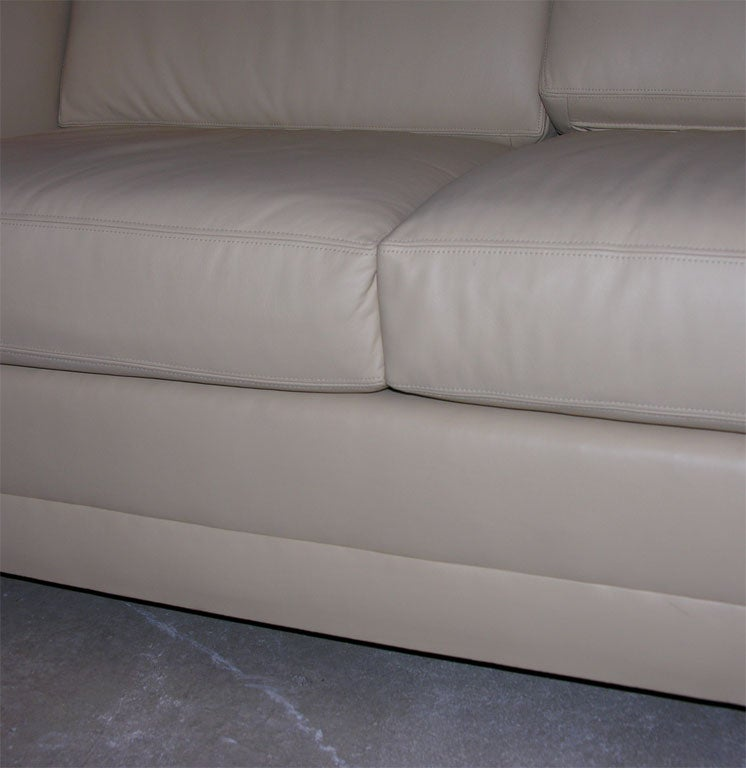 Paul mccobb sand leather loveseat mfg directional at 1stdibs for Sand leather sofa