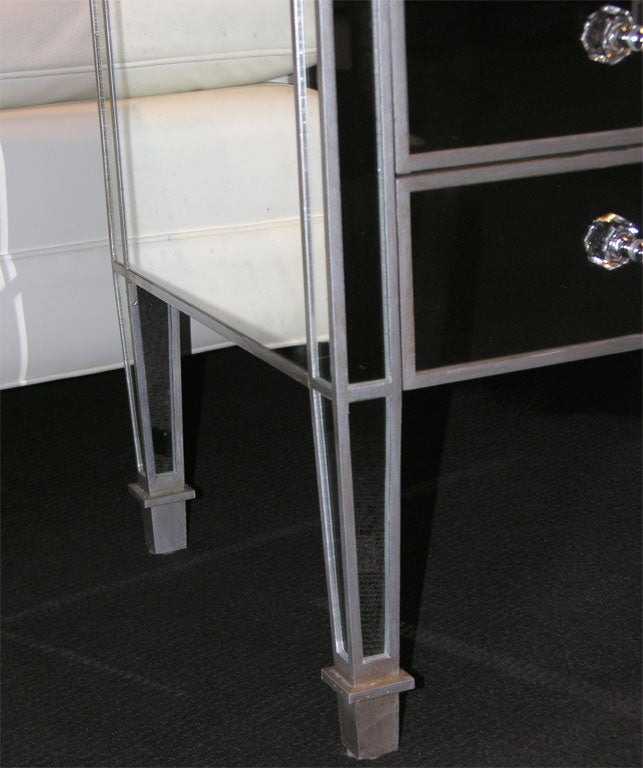 Pair of Custom Mirrored Silver Trim Commodes In Excellent Condition For Sale In New York, NY