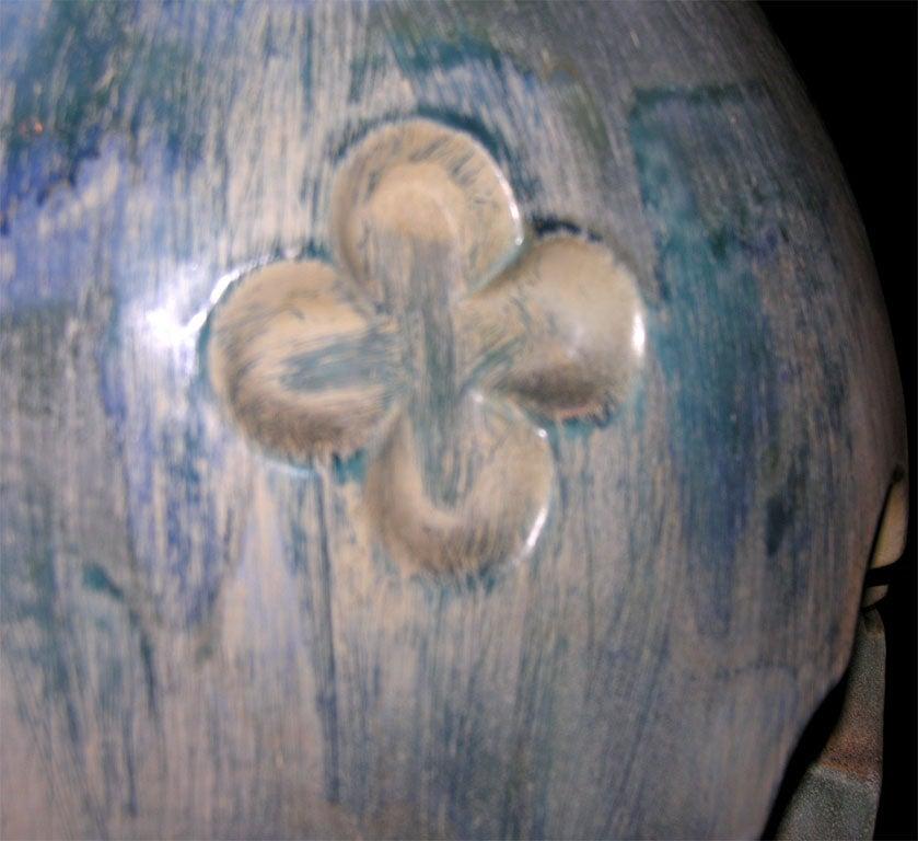 Italian Quatrefoil Pottery Lamp For Sale 1
