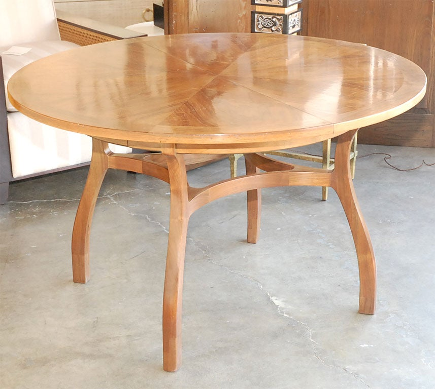 round walnut dining table at 1stdibs. Black Bedroom Furniture Sets. Home Design Ideas