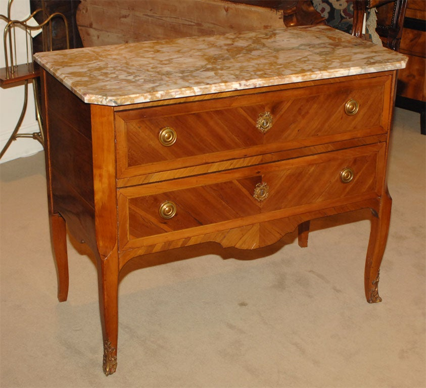 petite louis xvi fruitwood commode at 1stdibs. Black Bedroom Furniture Sets. Home Design Ideas
