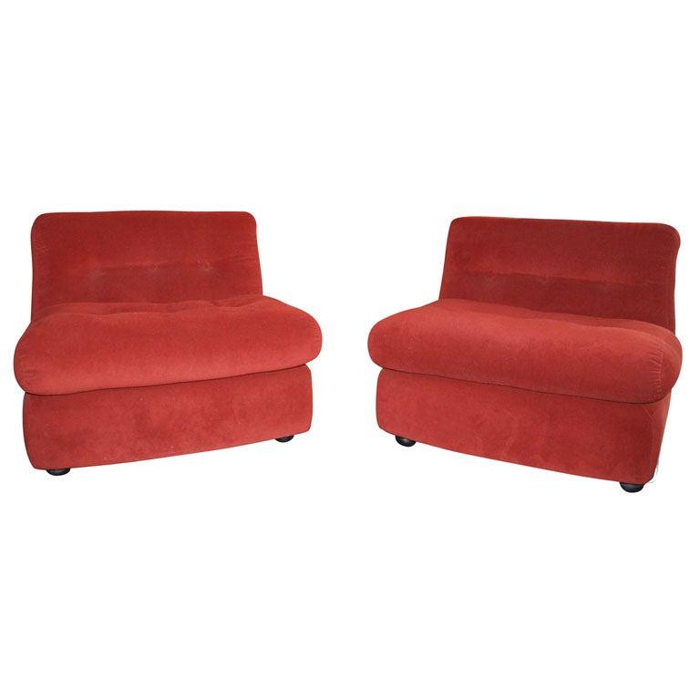 Pair Of Mario Bellini Amanta Chairs At 1stdibs