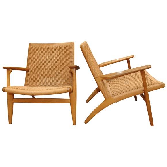 a handsome pair of hans wegner ch25 oak armchairs at 1stdibs. Black Bedroom Furniture Sets. Home Design Ideas