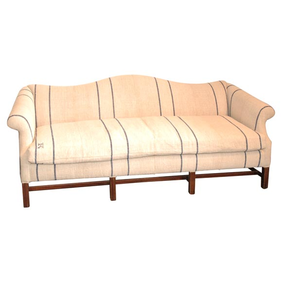 1930 39 S Queen Anne Style Camel Back Sofa In 19thc Linen At 1stdibs