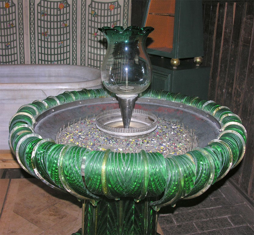 Venetian Murano Glass Fountain In Good Condition For Sale In Stamford, CT