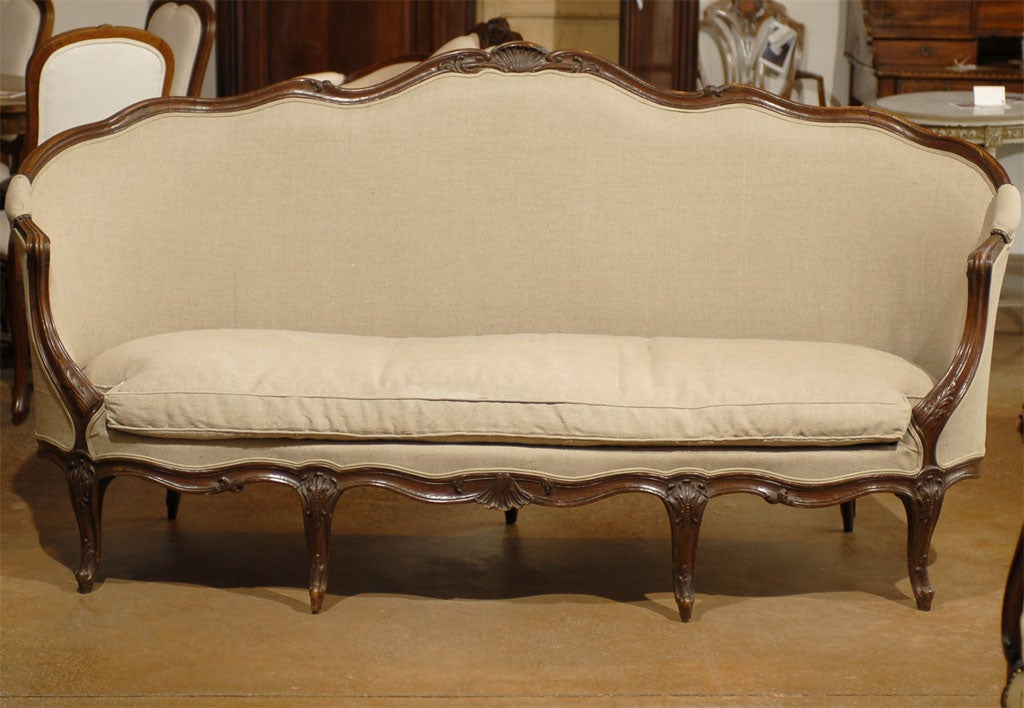 French Louis XV Style Walnut Upholstered Canapé with Wraparound Back, circa 1850 For Sale 2