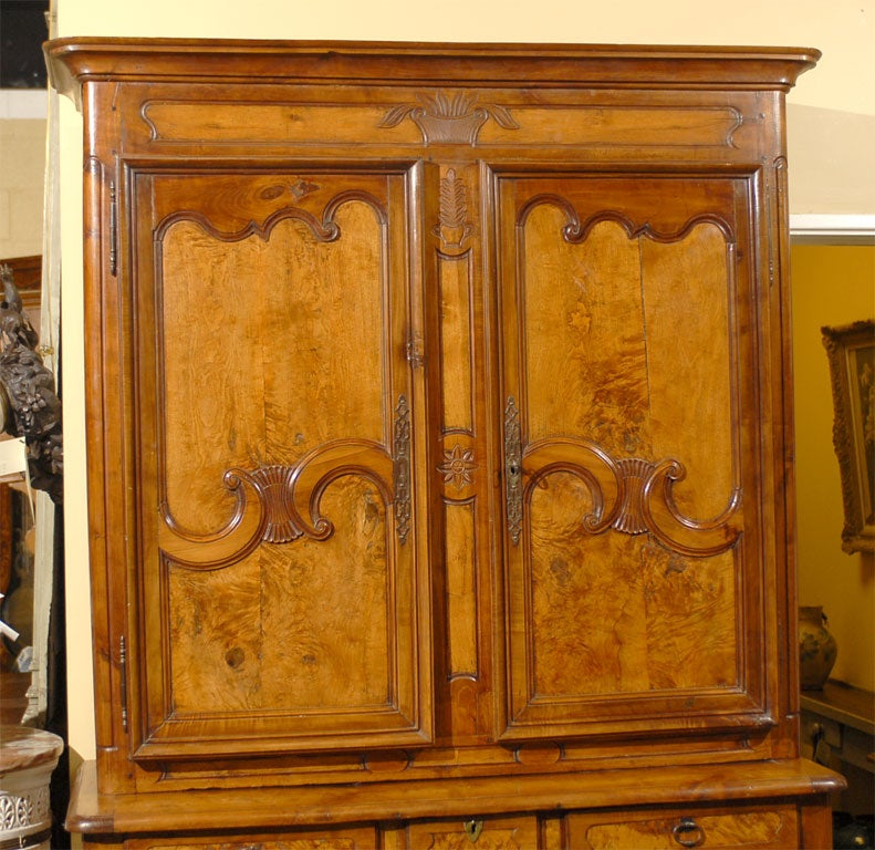 18th Century Louis XV Period Buffet Deux Corps in Burl Ash and Cherry, circa 1760 For Sale