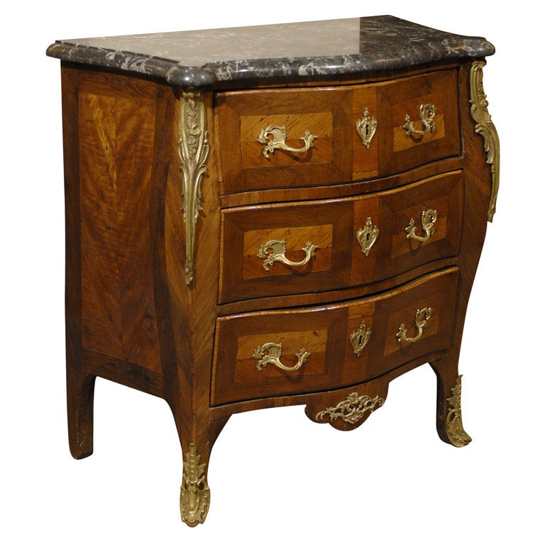 louis xv petite serpentine commode w marble top france c 1750 for sale at 1stdibs. Black Bedroom Furniture Sets. Home Design Ideas