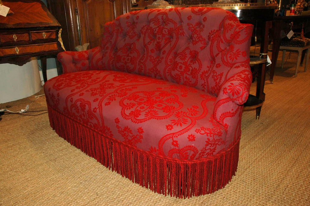 Napoleon III Settee In Good Condition For Sale In Pembroke, MA