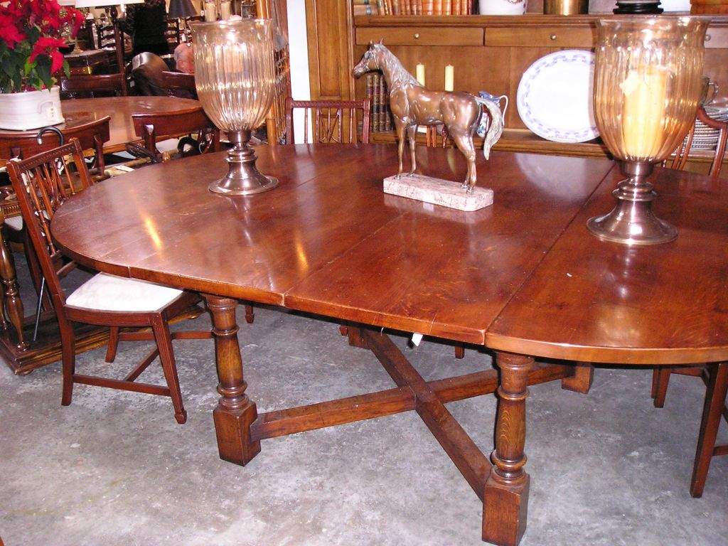 round stretcher base dining table for sale at 1stdibs