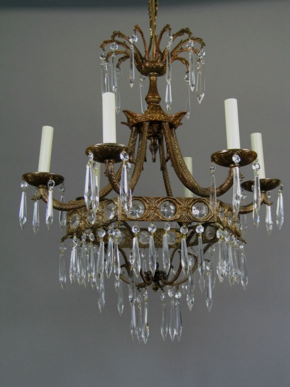 Crystal Prism Chandelier, 1940 In Good Condition For Sale In Douglas Manor, NY