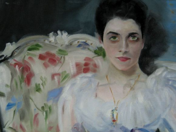 Lady in White In Good Condition In Douglas Manor, NY