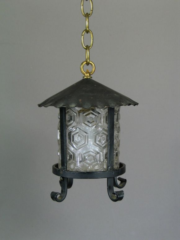 Arts and Craft Lantern with Embossed Glass Shade, 1920s In Good Condition For Sale In Douglas Manor, NY