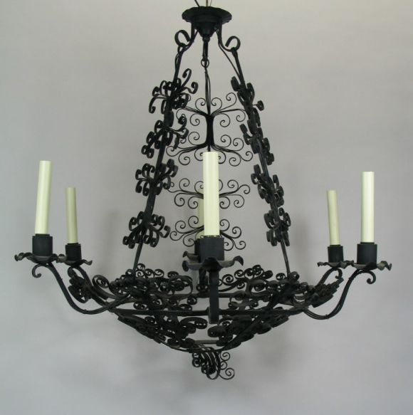 Large Handmade Country French Chandelier In Good Condition For Sale In Douglas Manor, NY