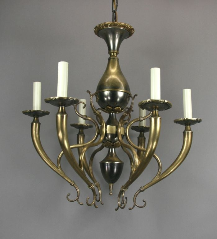 Mid Century Italian Two-Tone Chandelier In Good Condition For Sale In Douglas Manor, NY