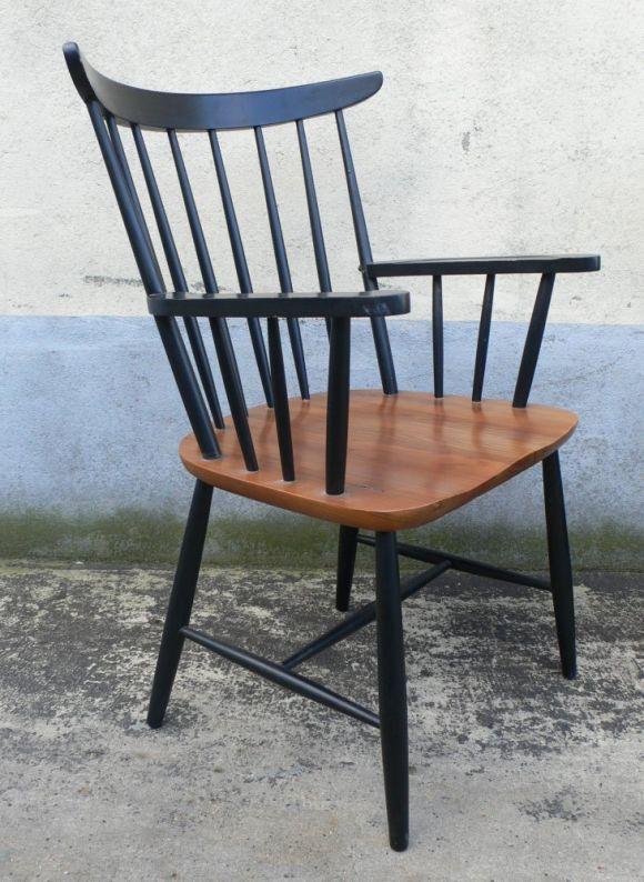Original set of armchairs.