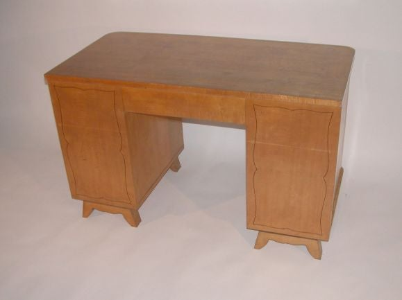 French 1950s Sycamore Desk In Good Condition For Sale In Long Island City, NY