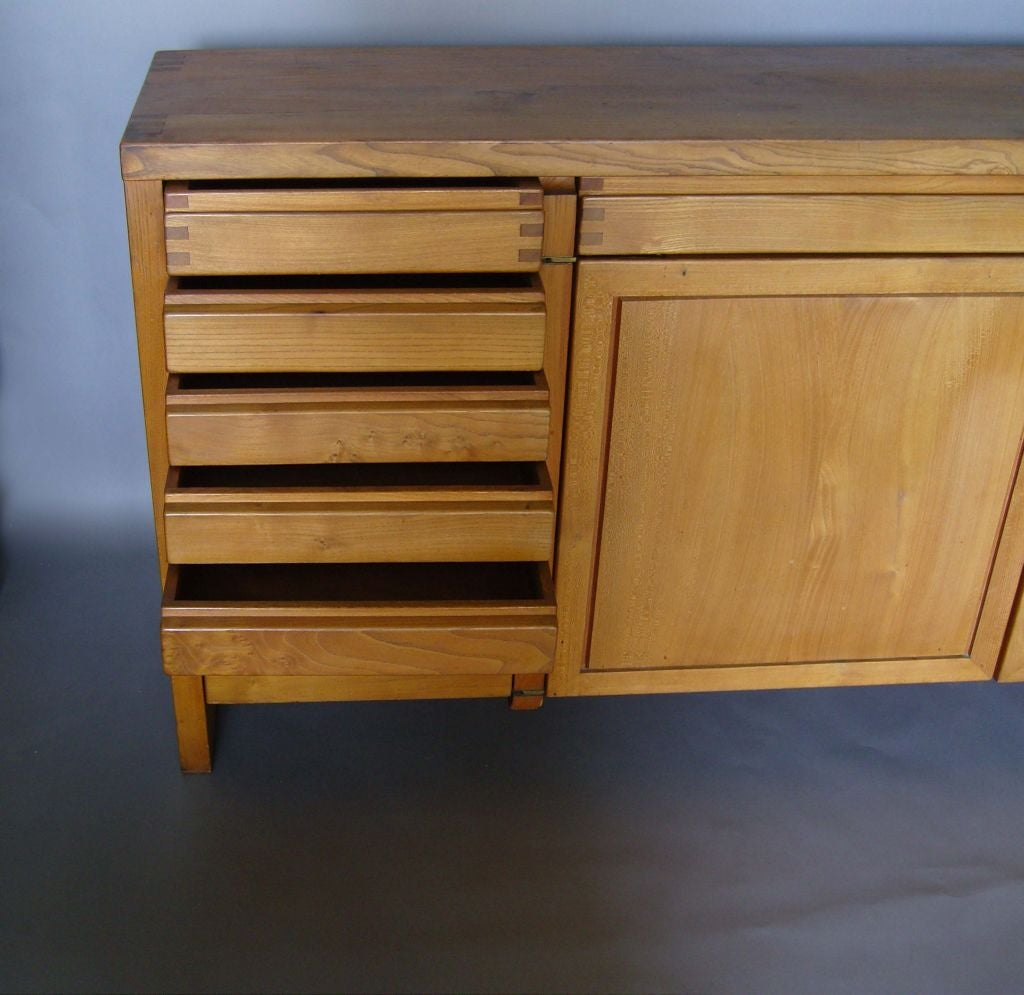 Fine French 1960s Elm  Buffet / Dresser by Pierre Chapo In Good Condition For Sale In Long Island City, NY