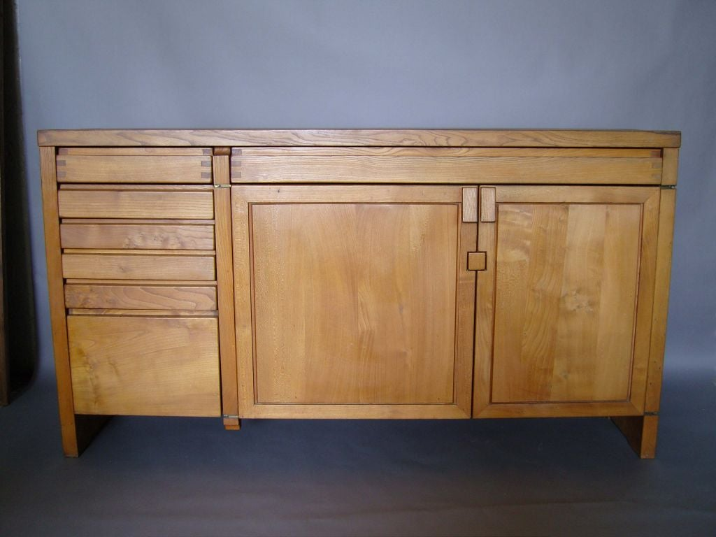 Fine French 1960s solid elm buffet or dresser by Pierre Chapo with six drawers  and two doors..