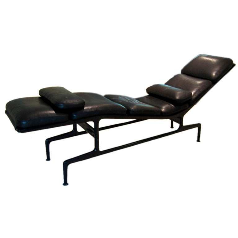 Eames billy wilder chaise for Chaise eames original