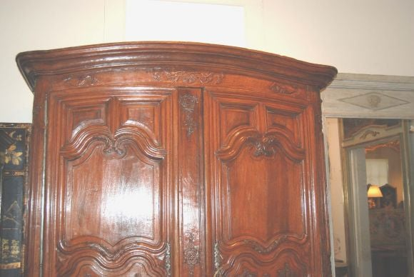 Exceptional 18th century Walnut Lyonnaise Armoire 10