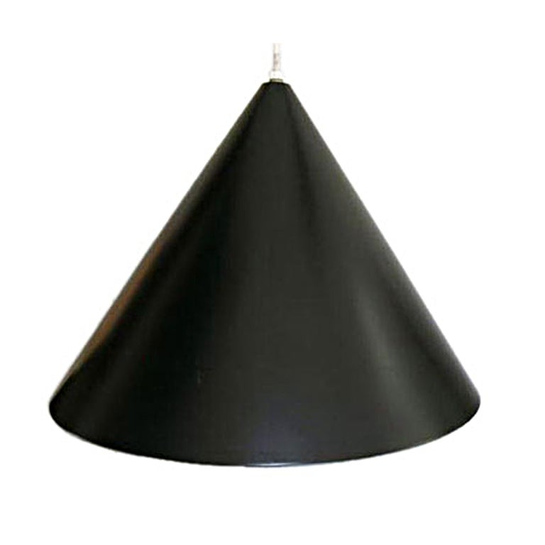 black billiard lamp by arne jacobsen for louis poulsen at. Black Bedroom Furniture Sets. Home Design Ideas