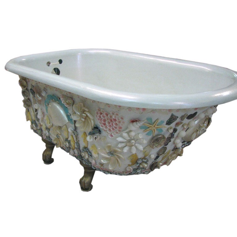 19th century hand shelled european bathtub at 1stdibs for European bathtub