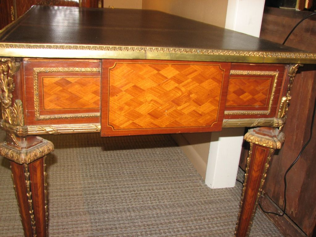 early 20th century louis xv style bureau plat at 1stdibs. Black Bedroom Furniture Sets. Home Design Ideas