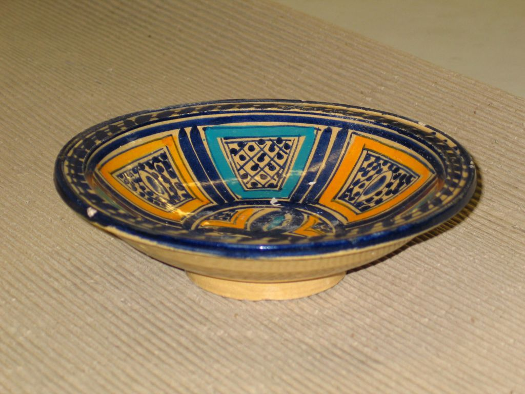19th Century A Set of 3 Hand Painted Dishes / Bowls For Sale
