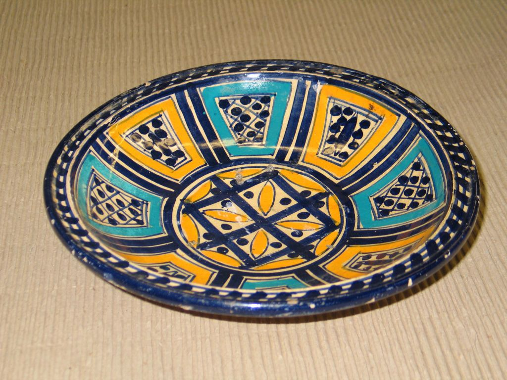 North African A Set of 3 Hand Painted Dishes / Bowls For Sale