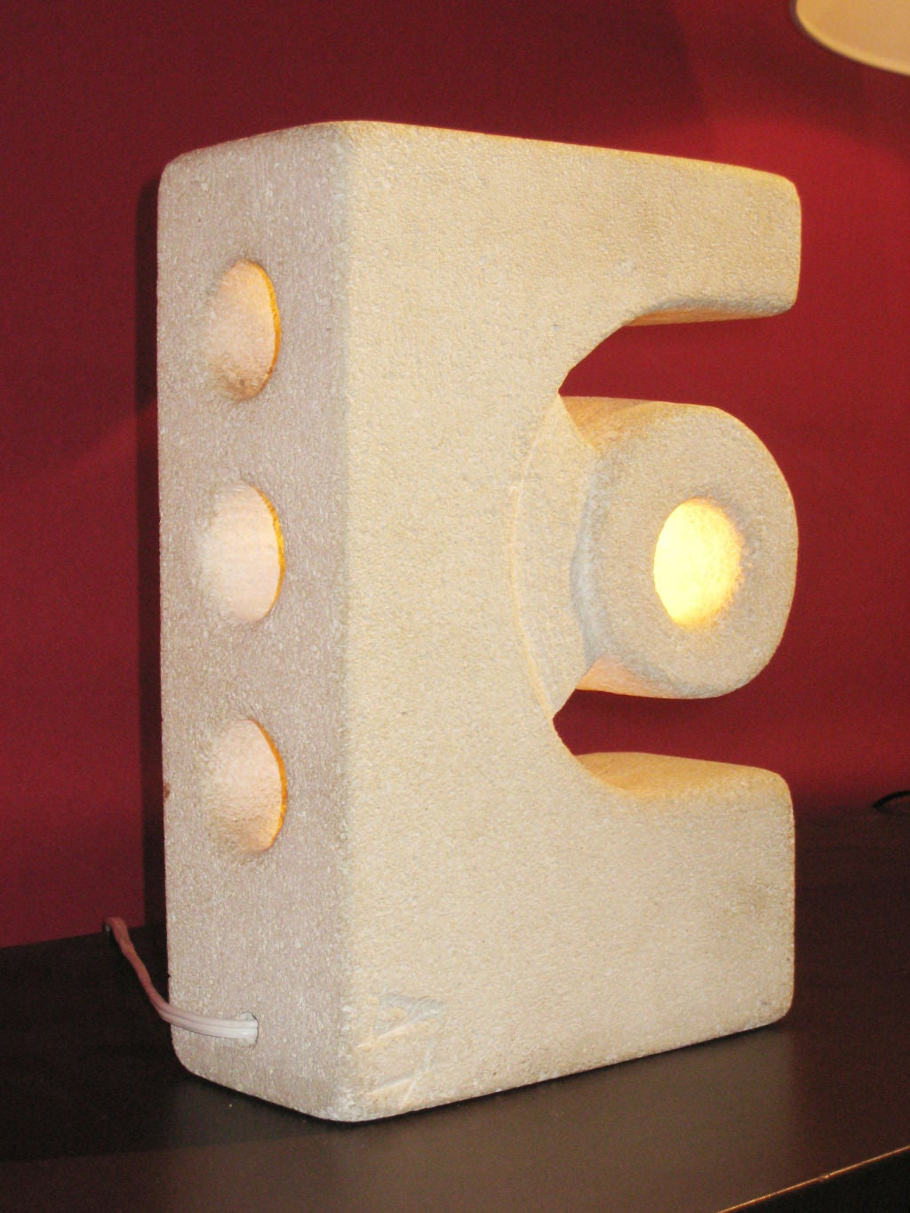 20th Century Unique French Mid-Century Modern Limestone Table Lamp / Sculpture by Atelier A For Sale