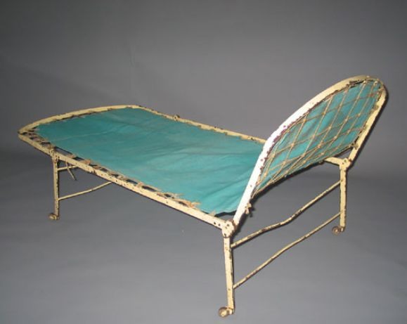 french early modern style fully adjustable campaign daybed or chaise longue for sale at 1stdibs. Black Bedroom Furniture Sets. Home Design Ideas