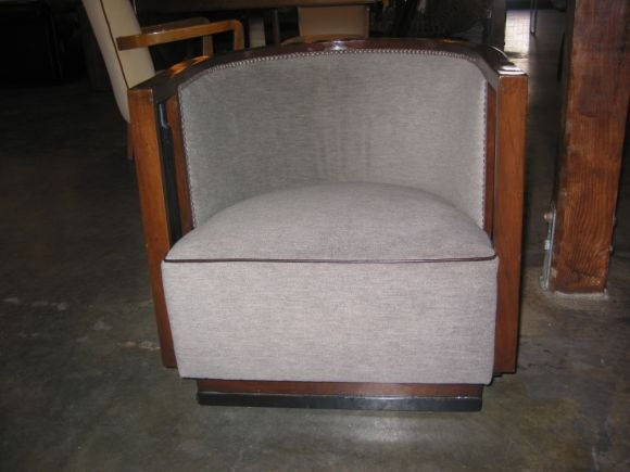 Italian Walnut Cruise Ship Chair In Excellent Condition For Sale In Los Angeles, CA