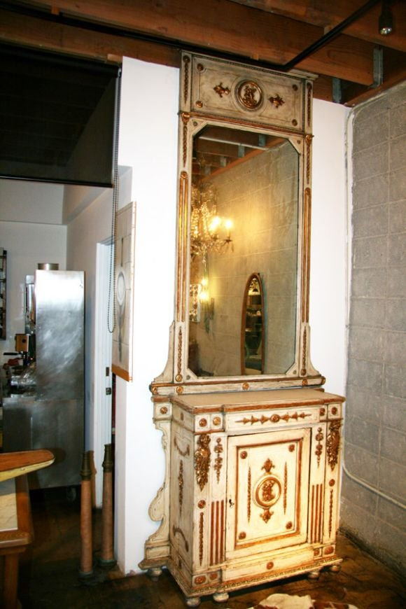 Venitian 19th Century Cabinet with Mirror 2
