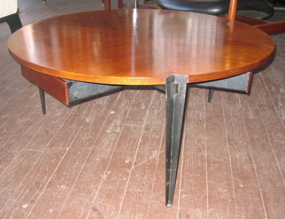 Osvaldo Borsani Coffee Table w/ 3 Drawers In Good Condition For Sale In Hudson, NY