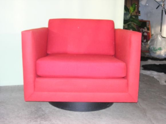 Pair of Mod Swivel Lounge Chairs by Harvey Probber In Excellent Condition For Sale In New York, NY
