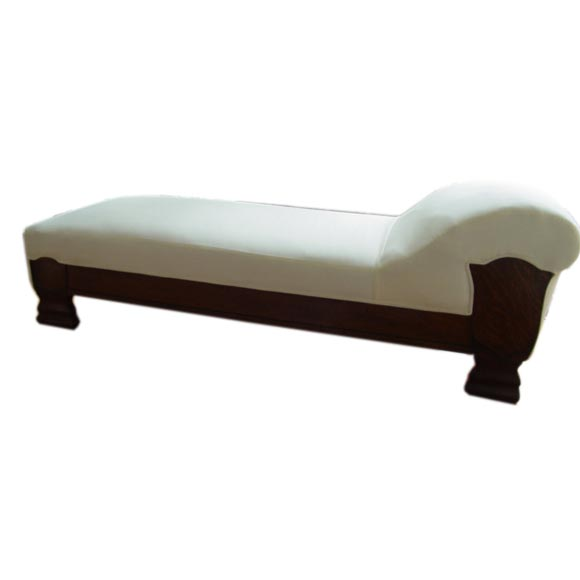 An empire large fainting couch at 1stdibs for Fainting couch