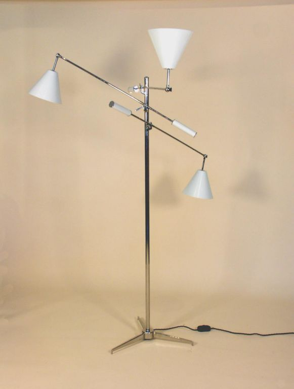 Italian Floor Lamp in the Manner of Gino Sarfatti  For Sale