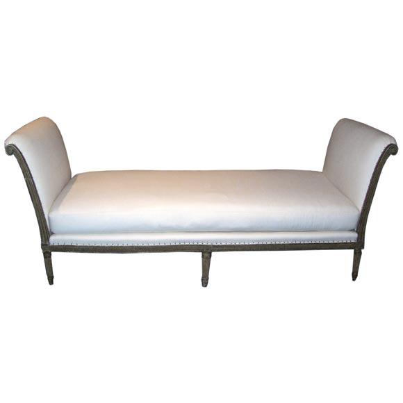 louis xvi painted lit de repos at 1stdibs. Black Bedroom Furniture Sets. Home Design Ideas