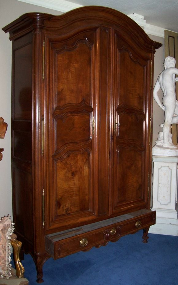 monumental louis xv style walnut armoire at 1stdibs. Black Bedroom Furniture Sets. Home Design Ideas