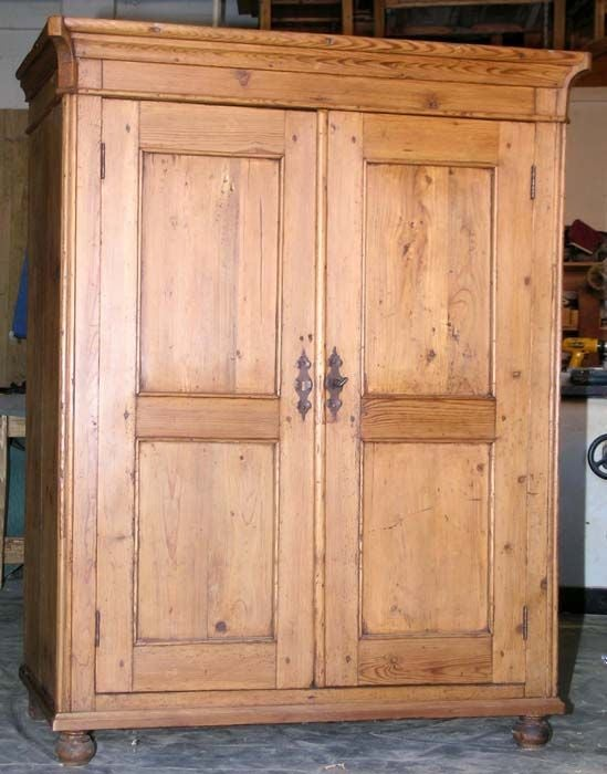 Petite armoire for sale at 1stdibs for Armoire penderie petite profondeur