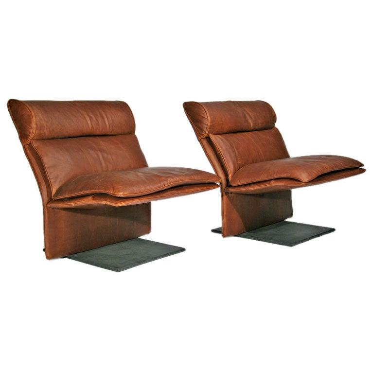 Saporiti - Cantilevered Leather Lounge Chairs by Saporiti Italia